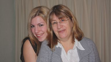 Fiona and Jennifer Bairner, woman who died of pancreatic cancer 12 days after diagnosis