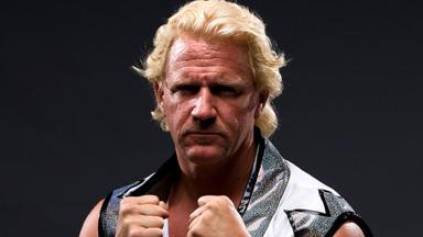 Superstar wrestler comes to EK