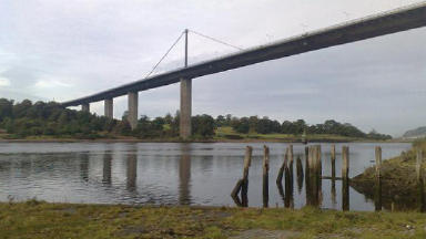 Two die in Erskine Bridge plunge