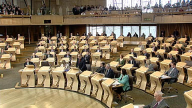Holyrood: MSPs agree 2010 Budget