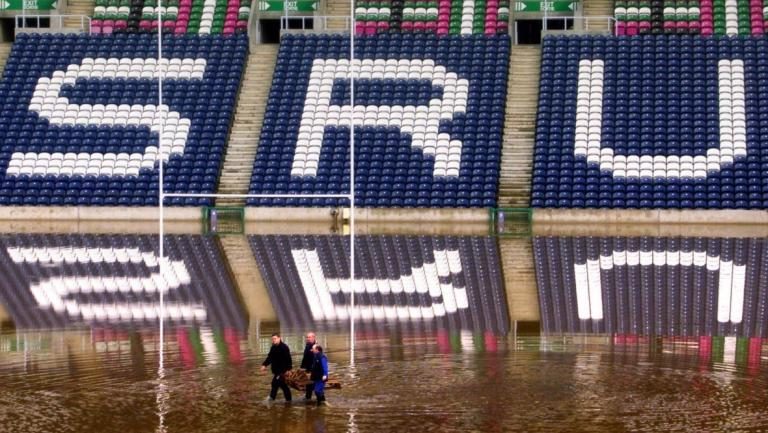 Scotland 2017 6N debrief and Lions/Summer Tour lookahead - Page 3 455668-flooding-at-murrayfield-stadium-in-2000