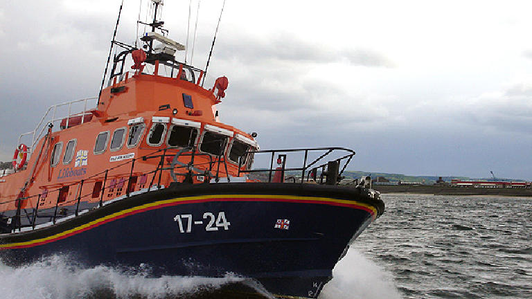 Ship towed to safety by coastguard after engine failure