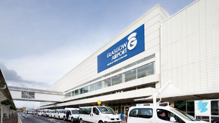 Glasgow Airport flights suspended due to ice on ru