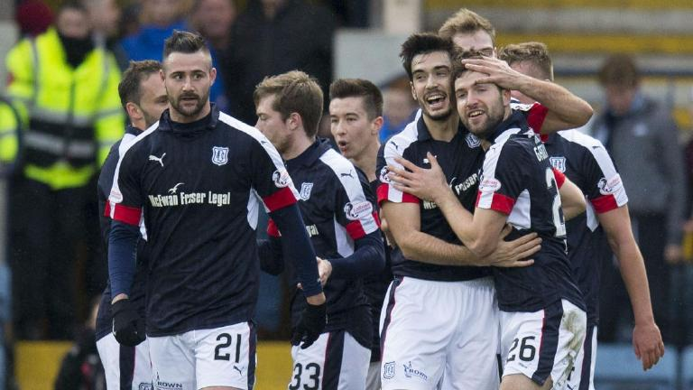 Dundee head into 2017 with derby win over St Johnstone