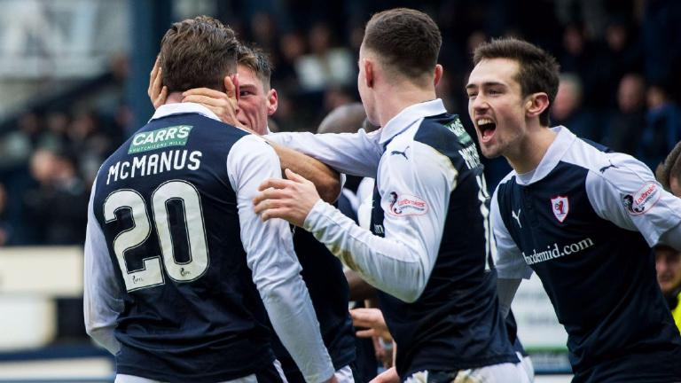 Raith Rovers snatch late equaliser to peg back Hearts