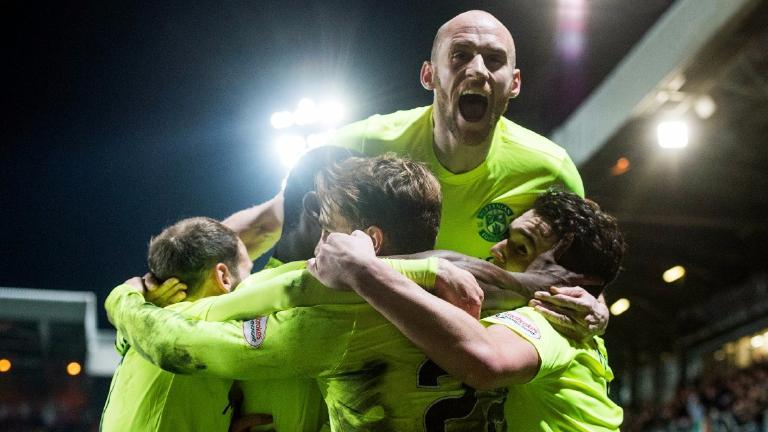 Dundee Utd 0-1 Hibs: Lennon's men go nine points clear