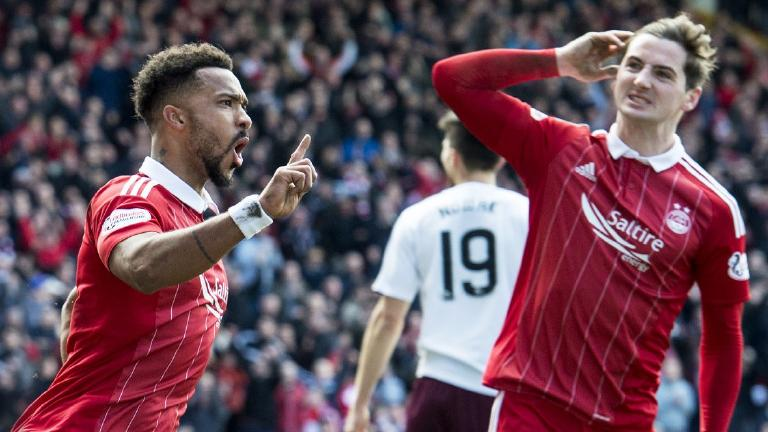 Aberdeen 2-0 Hearts: Dons stall Celtic's title party