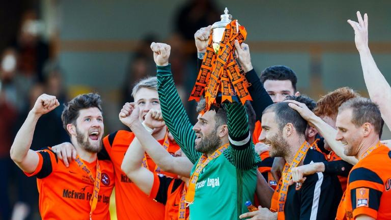 Dundee Utd 2-1 St Mirren: United take home Challenge Cup