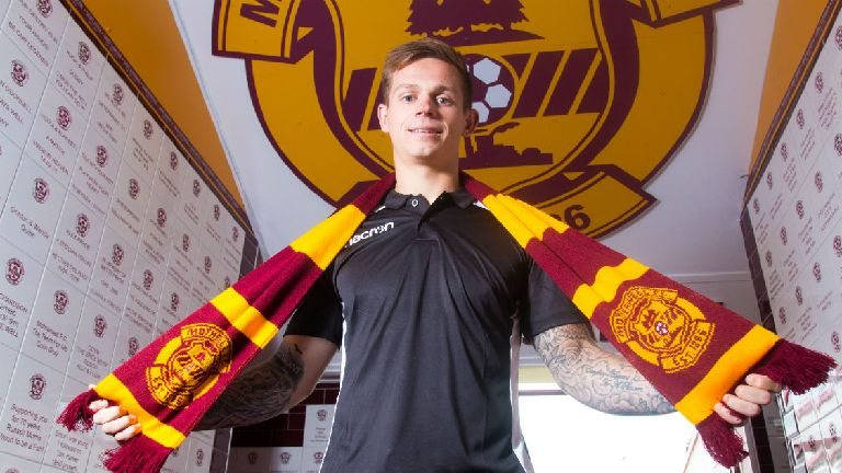 Motherwell sign Reading's Craig Tanner on two-year deal