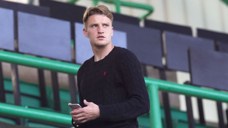 Hibs to sign midfielder on three-year deal from Juventus