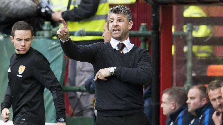 Motherwell boss Stephen Robinson extends deal to 2020