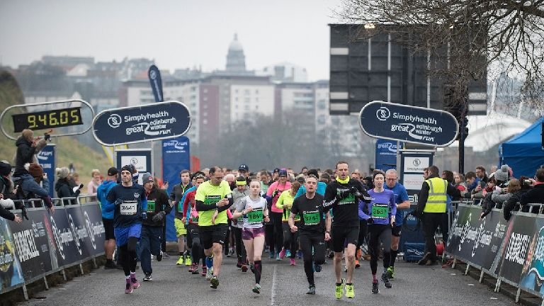 Thousands take part in the Great Edinburgh Winter