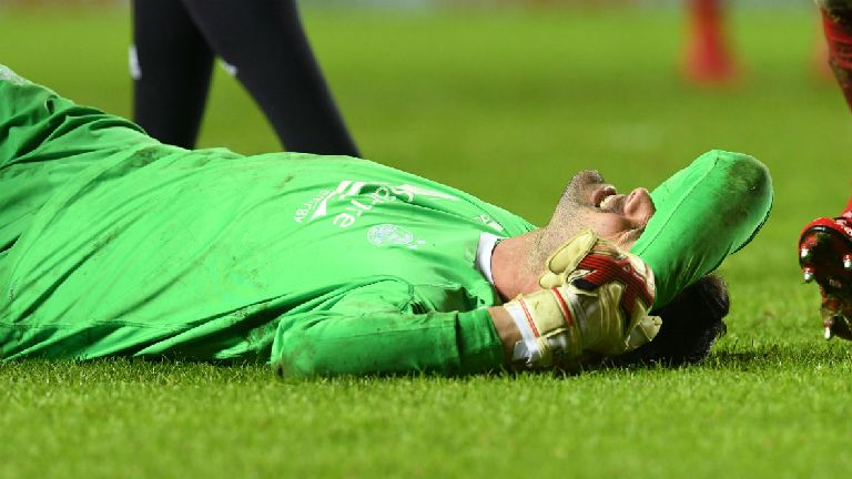 Derek McInnes: Joe Lewis requires 'significant' knee op