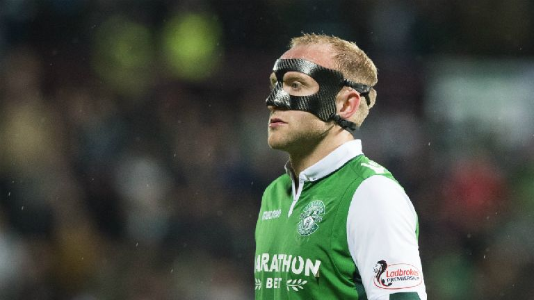 Lennon: Hibs offered 'chink of light' over McGeouch deal