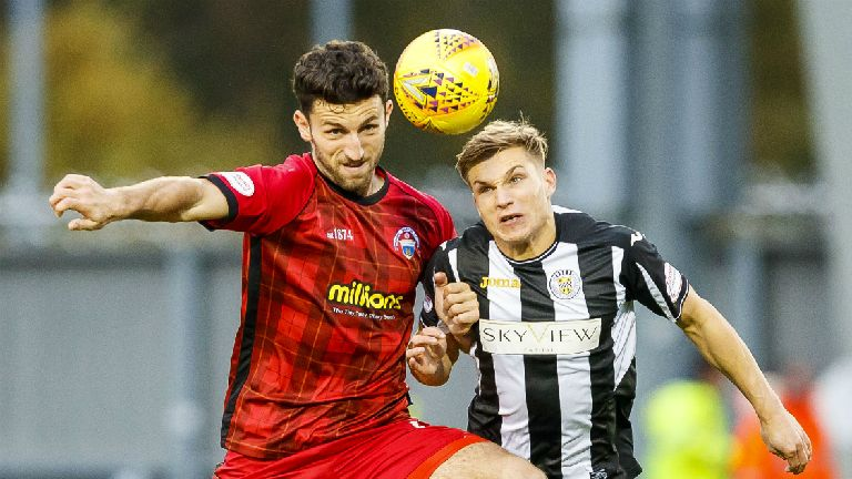 Livingston complete move for Morton defender Ricki Lamie