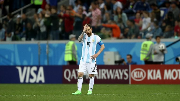 Argentina and Messi in danger as Croatia go through