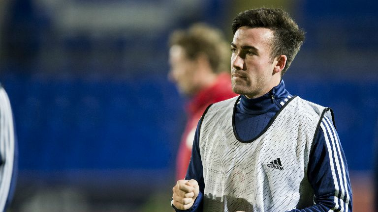 Barnsley playmaker Stevie Mallan completes move to Hibs