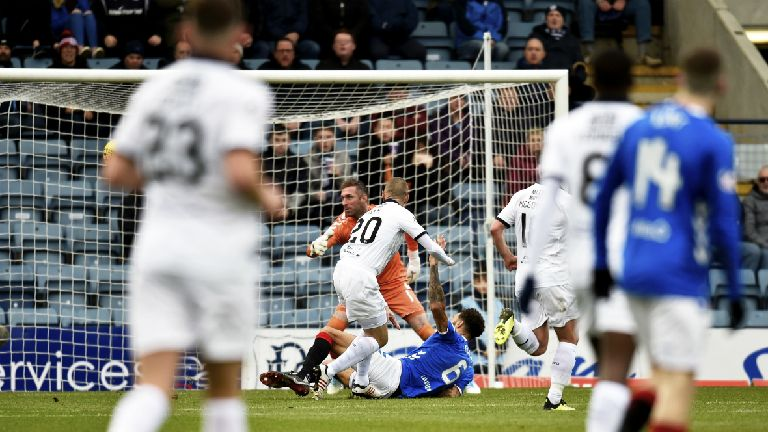 Miller scores as ten-man Dundee hold Rangers to draw