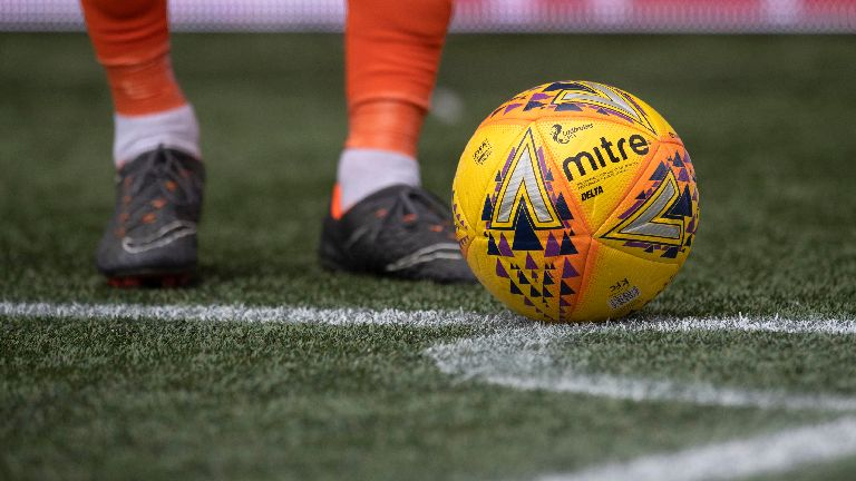 Premiership players sign petition to ban plastic pitches
