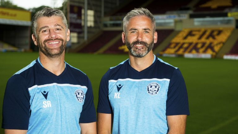 Motherwell boss Stephen Robinson signs new contract