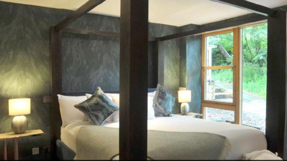 The Lodge on Loch Lomond Bedroom