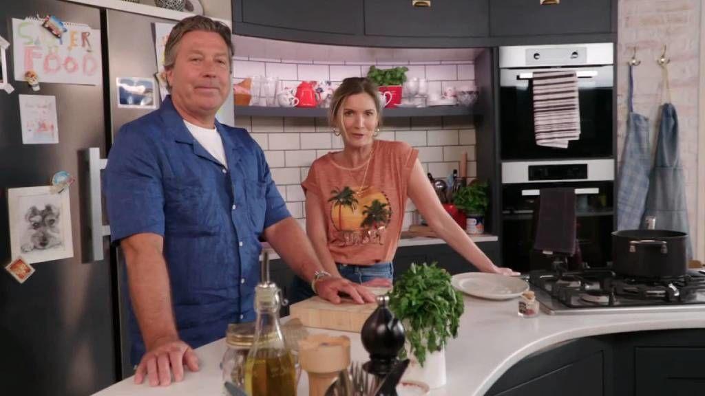 John and Lisa's Weekend Kitchen