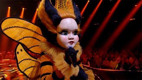 Queen Bee performs Somebody Else's Guy