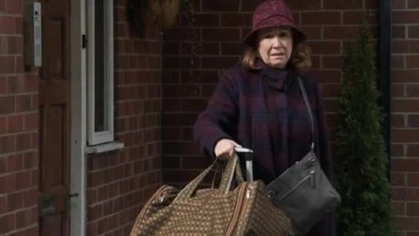Corrie (Wed, April 14th, 8.30pm): Cathy struggles with her suitcases